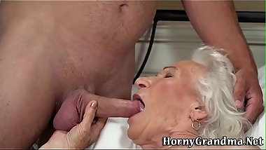 Wrinkly old lady gets plowed and spermed