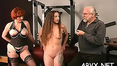 Naked woman screams with dude roughly playing with her vag