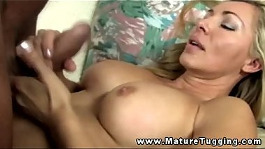Mature handjob blond sucking for this lucky guy