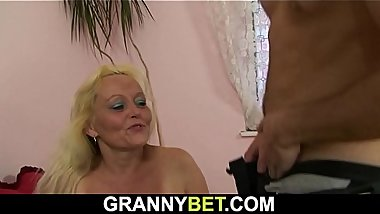 Old blonde granny gives up her hairy cunt him